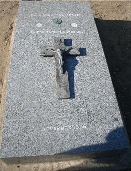 Pierre tombale d'Héliodore Gallienne au cimetière de Pessac